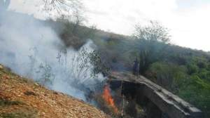 carretera-santiagodecuba-fuego-sequia-foto-carlossanabia