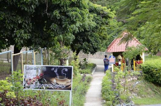 gastronomía_zoológico_de_santiago_de_cuba_foto_J._Loo_Vázquez