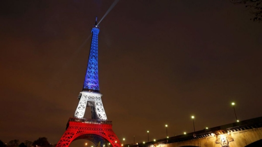 Torre-Eiffel-Luto