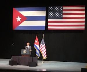 Obama-en-teatro-3-580x4351