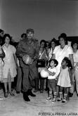 El presidente Fidel Castro Ruz durante la inaguración del círculo infantil Los Abelitos. Prensa Latina BN